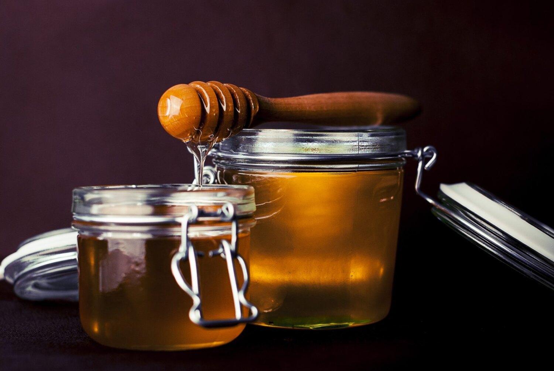 Miksi hunaja on terveellisempää kuin sokeri