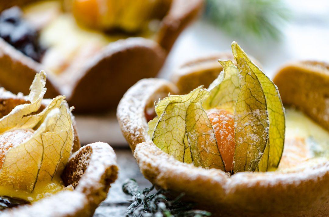 Appelsiini-hunajapiparit vuohenjuustotäytteellä ja pipareiden makeutus hunajalla